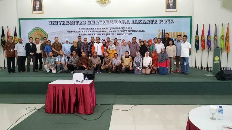 Redaksi Jurnal Inkofar Mengikuti Lokakarya Literasi Jurnal RJI di Universitas Bhayangkara pada 6 April 2019